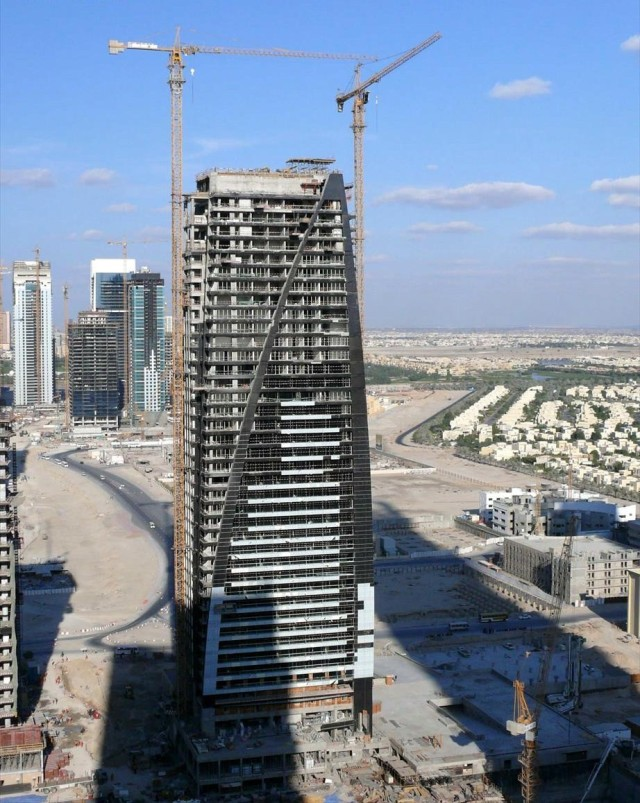 Dubai_Arch_Tower_Under_Construction_on_10_January_2008