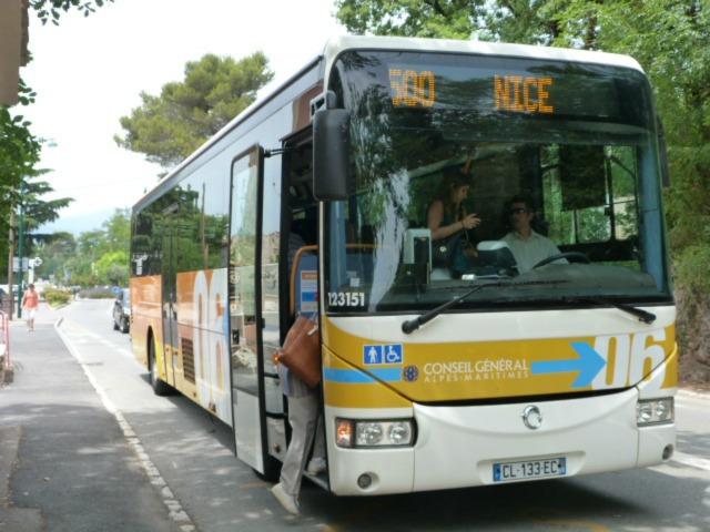 12 bus to Nice